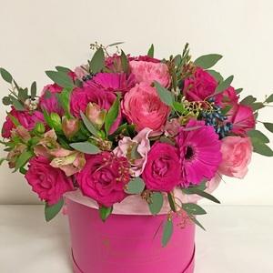 """Цветы """"Её помадка"""" в шляпной коробке"""