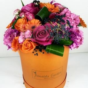 """Цветы """"Рыжик"""" в шляпной коробке"""