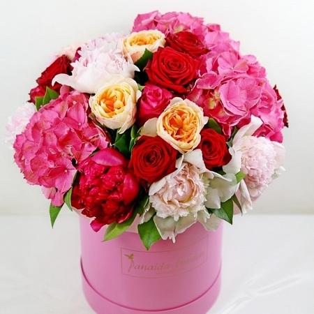 """Цветы """"Жаклин"""" в шляпной коробке"""