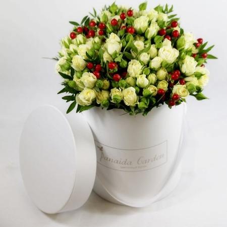 """Цветы """"Зефир"""" в шляпной коробке"""