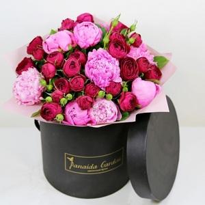 """Цветы """"Амина"""" в шляпной коробке"""