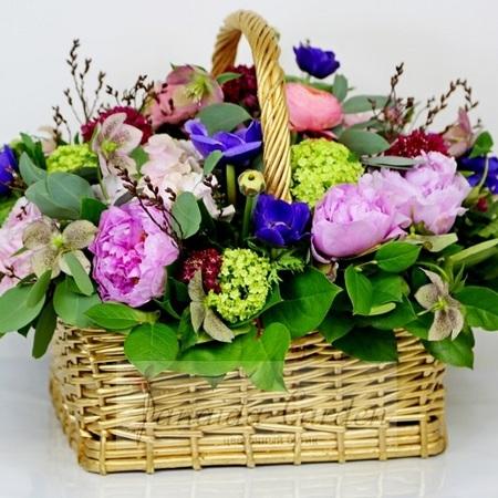 """Букет """"Весенние дары"""" цветы в корзине"""