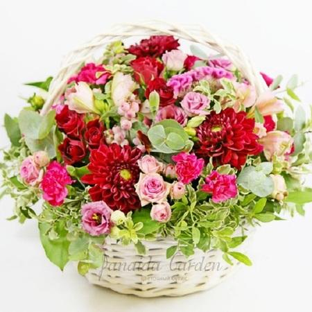 """Букет """"Сокровище летних дней"""" цветы в корзине"""
