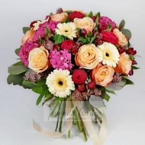 Букет цветов «Королевских кровей»